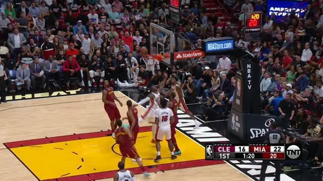 Berita video game recap NBA 2017-2018 antara Miami Heat melawan Cleveland Cavaliers dengan skor 98-79.