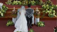 Clover dan Fleann, pasangan asal Filipina hiasi altar dengan sayuran segar, unik banget! (Sumber: Mothership)