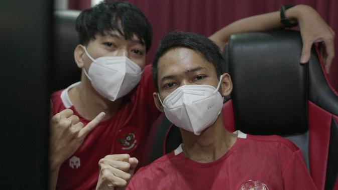 Pemain tim eNational Squad Indonesia, Fahmi Husaeni dan Moehamad Zulisar, akan mengharumkan Merah Putih ke kejuaraan dunia di Denmark. (dok. PSSI)