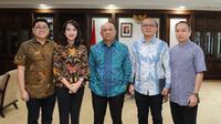 Menteri Koperasi dan UKM Teten Masduki menerima CEO PT Global Dairi Alami (PT GDA) Ihsan Mulia Putri, di Jakarta, Rabu (19/2/2020). Dok Kementerian Koperasi dan UKM
