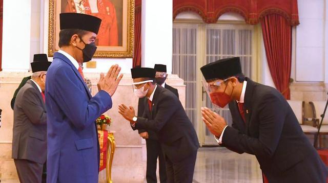Jokowi melantik Nadiem Makarim sebagai Mendikbud-Ristek dan Bahlil Lahadalia sebagai Menteri Investasi/Kepala BKPM. (Dok Setpres)