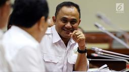 Kepala BNN Irjen Pol Heru Winarko saat Rapat Dengar Pendapat (RDP) dengan Komisi III DPR di Jakarta, Kamis (7/6). Rapat membahas Rencana Kerja dan Anggaran Kementerian dan Lembaga (RKAKL) dan Rencana Kerja Pemerintah (RKP) 2019. (Liputan6.com/JohanTallo)