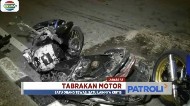 Kejadian bermula saat motor korban melaju dari arah Kemayoran menuju Pademangan, kemudian menabrak motor yang sedang menyeberang jalan.