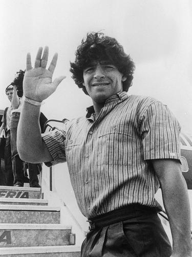 FOTO: Legenda Sepak Bola Argentina Diego Maradona Meninggal Dunia