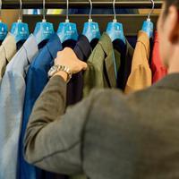 Sacco hadirkan 12 warna pilihan light weight blazer yang nyaman dan stylish