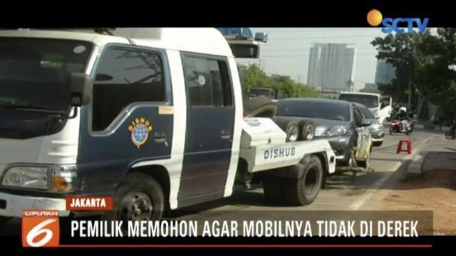 Pemilik dapat mengambil kendaraannya dengan membayar denda sesuai perda larangan parkir yaitu sebesar Rp 500 ribu.