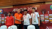 Pelatih Becamex Binh Duong, Tran Minh Chien dalam sesi konferensi pers menjelang duel kontra Persija Jakarta, Senin (25/2/2019). (Bola.net/Fitri Apriani)