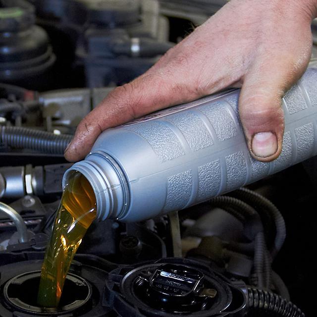 Idealkah Mengganti Oli Mesin Mobil Setiap 10 000 Km Otomotif Liputan6 Com