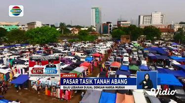 Pasar Tasik, Tanah Abang, Jakarta Pusat, menjual beraneka macam baju dengan harga sangat murah yang bisa dipakai sendiri atau dijual kembali.