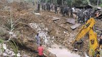 Para pejabat Sri Lanka mengungkapkan, masih ada kesempatan untuk menemukan orang-orang yang selamat dari tanah longsor itu.