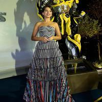 Bahkan Isabela pun pernah tampul di Transformers: The Last Knight! (instagram/isabelamoner)