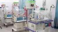 Ilustrasi – Bayi kembar tiga di inkubator rumah sakit. (Liputan6.com/Ridlo untuk Ahmad Adirin)