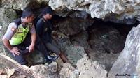 Mulut gua di Kecamatan Purwosari, Kabupaten Gunungkidul, yang di dalamnya ditemukan sumber air. (dok. Polsek Purwosari)