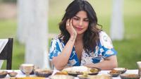 Priyanka Chopra punya dua makanan favorit. (dok.Instagram @priyankachopra/https://www.instagram.com/p/BiMEV3YAIoN/Henry