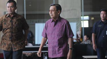 Mantan Wapres Boediono menjalani pemeriksaan di KPK
