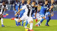 Cristiano Ronaldo mencetak dua gol saat Juventus mengalahkan Empoli 2-1 dalam laga lanjutan Serie A. (Fabio Muzzi/ANSA via AP)