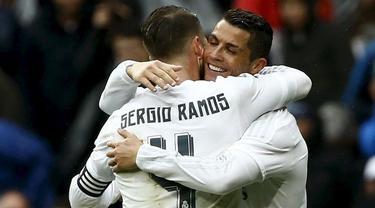 Video highlights La Liga antara Real Madrid yang bermain dengan 10 orang sukses membungkam Athletic Bilbao dengan skor 4-2, Sabtu (13/2/2016) WIB