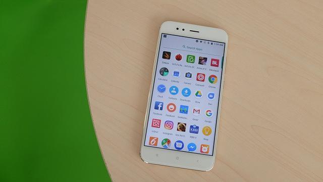 Review Xiaomi Mi A1  Si Android Murni Berkamera Ganda - Tekno ... 2c466587cc
