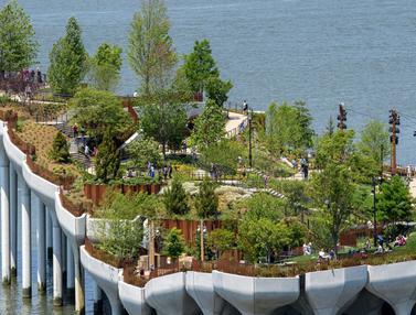 FOTO: New York Punya Taman Terapung di Tepi Sungai Hudson
