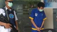 Pedagang ikan di Kendari, tertangkap memiliki sabu-sabu seberat 713 gram yang didapat dari oknum napi di Lapas Kendari.(Liputan6.com/Ahmad Akbar Fua)