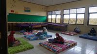 Puluhan siswa di Purbalingga menjalani isolasi terpusat karena positif Covid-19. (Foto: Liputan6.com/Rudal Afgani)