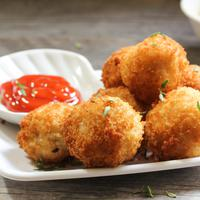 Ilustrasi macaroni cheese balls./Copyright shutterstock.com