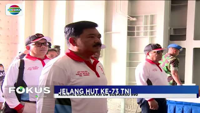 Dengan menggunakan KRI Dr Soeharso 990, puluhan awak media diajak mengelilingi sejumlah pulai di sekitar Teluk Jakarta.