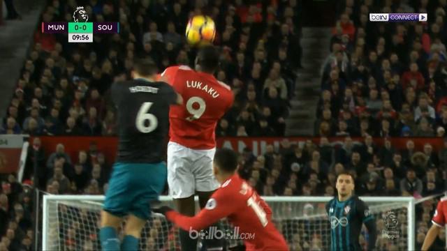 Berita video highlights Premier League 2017-2018, Manchester United vs Southampton, dengan skor 0-0. This video presented by BallBall.