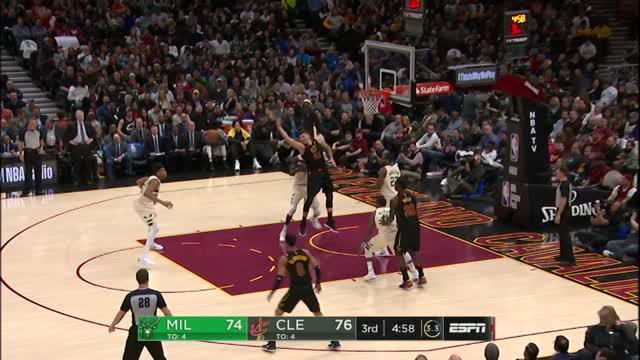 Berita video game recap NBA 2017-2018 antara Cleveland Cavaliers melawan Milwaukee Bucks dengan skor 124-117.