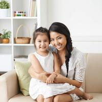 Menjadi ibu yang baik untuk putri tercinta./Copyright shutterstock.com/g/Dragon+Images
