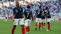 Penyerang Prancis, Kylian Mbappe berselebrasi usai mencetak gol ke gawang Argentina pada babak 16 besar Piala Dunia di Kazan Arena di Kazan, Rusia, (30/6). Mbappe mencetak dua gol dan mengantar Prancis menang 4-3 atas Argentina. (AP Photo/David Vincent)