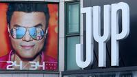 Skandal Tzuyu Twice membuat penampilan beberapa artis JYP Entertainment dibatalkan. Namun pihak Tiongkok membantahnya.