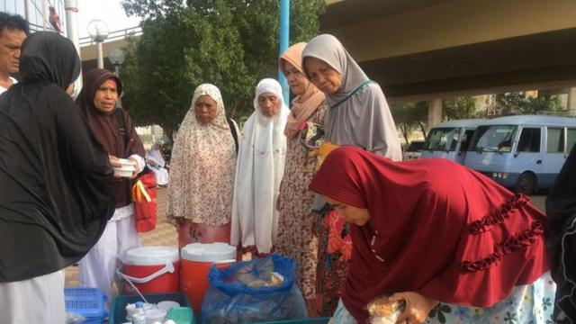 Penjual makanan Indonesia di Arab Saudi