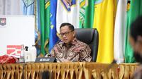 Menteri Dalam Negeri (Mendagri) Muhammad Tito Karnavian pada rakor realisasi APBD TA 2020 dan Pilkada Serentak Tahun 2020 yang dilaksanakan secara virtual di Gedung B Lt.2 Kemendagri, Jakarta Pusat, Kamis (27/08/2020). (Ist)