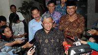 Gubernur Jawa Barat Ahmad Heryawan (Aher) mengajak semua elemen masyarakat Jawab Barat mampu menjaga toleransi antar umat beragama.