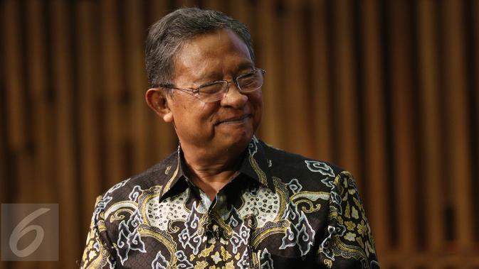 Menteri Koordinator Perekonomian, Darmin Nasution saat menjadi pembicara dalam acara Bincang Ekonomi di Liputan6.com di SCTV Tower, Jakarta, Kamis (2/3). (Liputan6.com/Fatkhur Rozaq)#source%3Dgooglier%2Ecom#https%3A%2F%2Fgooglier%2Ecom%2Fpage%2F%2F10000