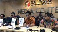 Lembaga Advokasi Hukum Indonesia Raya Partai Gerindra melaporkan Walikota Makassar Danny Pomanto ke Badan Pengawas Pemilu (Bawaslu RI). (Liputan6.com/Yunizafira)
