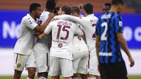 Torino merayakan gol yang dicetak Christian Ansaldi ke gawang Inter Milan. (Fabio Ferrari/LaPresse via AP)