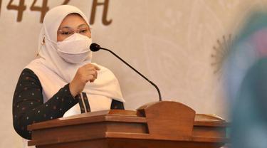 Menteri Ketenagakerjaan, Ida Fauziyah, melakukan Halalbihalal Idulfitri 1 Syawal 1442 H secara virtual