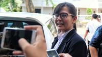 Sekjen PSSI Ratu Tisha seusai mendampingi Plt Ketum PSSI, Joko Driyono memenuhi panggilan Satgas Anti-Mafia Bola di Polda Metro Jaya, Kamis (24/1). Pemeriksaan terkait kasus dugaan pengaturan skor di Liga Indonesia.(Www.sulawesita.com)