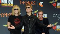 Nantinya para penggemar akan dimanjakan telinganya dengan lantunan hits Bon Jovi yang mendunia, seperti 'It's My Life', 'Have A Nice Day', 'Who Says You Can't Go Home', dan masih banyak lainnya. (Bintang/EPA)