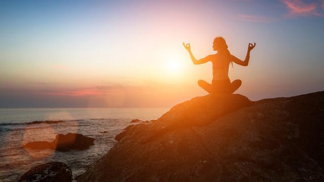 Pantai di Lombok Masuk 8 Tempat Terbaik untuk Yoga Versi Media Malaysia