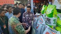 Menteri Pertanian (Mentan) Syahrul Yasin Limpo (SYL)  melepas ekspor karkas dan olahan ayam ke Republik Demokratik Timor Leste di PT Japfa Comfeed Indonesia, Tbk di Buduran Sidoarjo, Jawa Timur. (Foto: Liputan6.com/Dian Kurniawan)