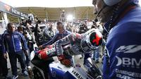 Jorge Lorenzo usai mengikuti lomba MotoGP Belanda 2013. (CATRINUS VAN DER VEEN / AFP)