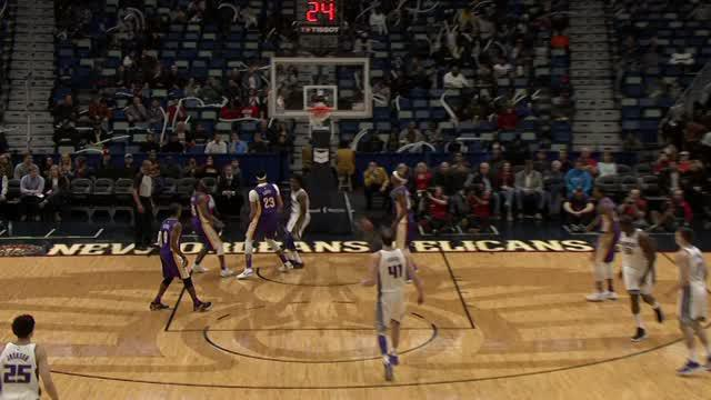 Berita video game recap NBA 2017-2018 antara Sacramento Kings melawan New Orleans Pelicans dengan skor 114-103.
