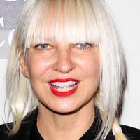 Penyanyi Sia Furler. (popologynow.com)