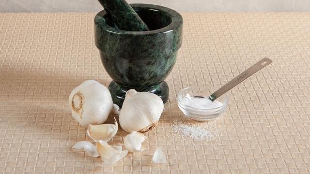 Cara Menggunakan Bawang Putih untuk Obat Sakit Gigi - Health ... 07a34e83ae