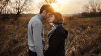 Ternyata, ada beberapa rahasia sederhana untuk membuat seorang pria jatuh cinta pada, penasaran? Simak di sini.