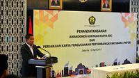 Ignasius Jonan dan Gubernur BI melakukan penandatanganan tentang Nota Kesepahaman tentang Kerja Sama dan Koordinasi.