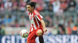 Danijel Pranjic. Gelandang ini didatangkan Bayern Munchen dari Heerenveen pada awal musim 2009/2010. Hanya bertahan 3 musim dengan penampilan sebanyak 81 laga di semua ajang dan mencetak 1 gol. Saat ini bermain di klub divisi II Siprus, Omonia Psevda. (AFP/Christof Stache)
